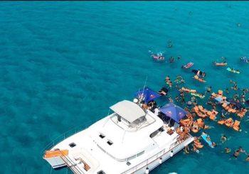 Aperitivo Pranzo e Cena in Barca a Porto Cesareo su Catamarano